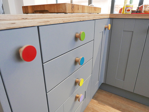 colourful cabinet wodoen knobs
