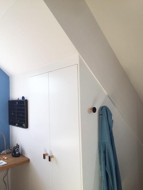 wooden handles, wall hooks, coat pegs,
