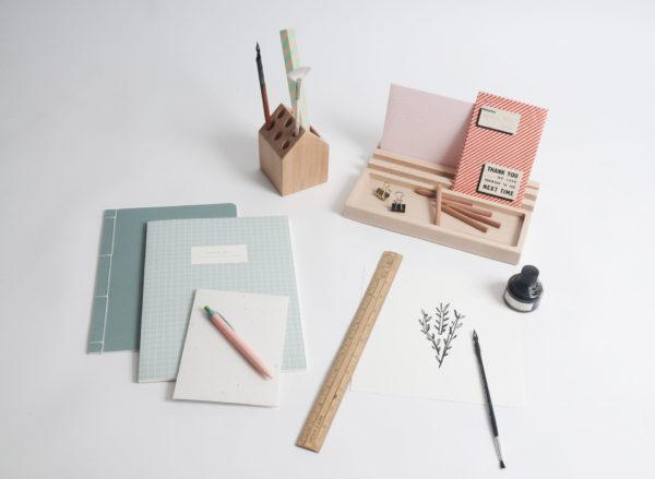 desk accessories, pencil holder